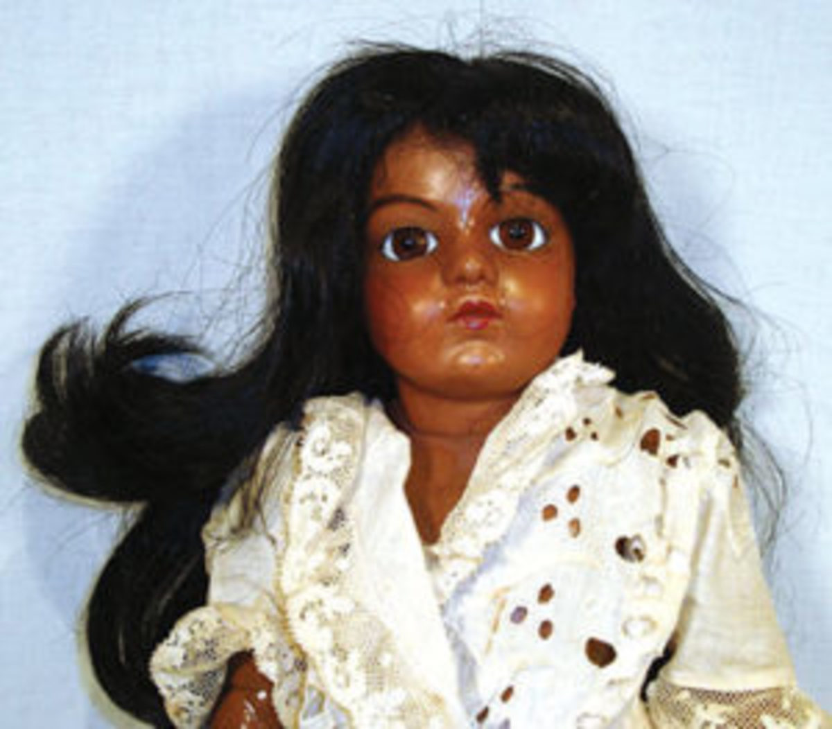 Black Bru Jne R; author's collection, featured onauthor's American Doll and Toy Museum Blog.