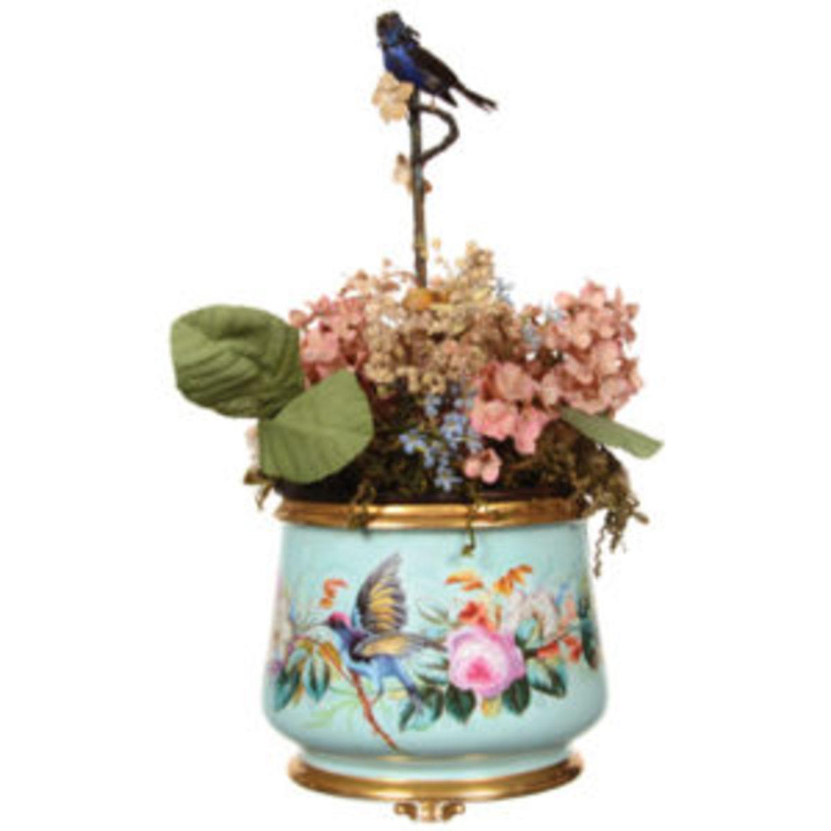 decorative arts: Old Paris porcelain mechanical ferner