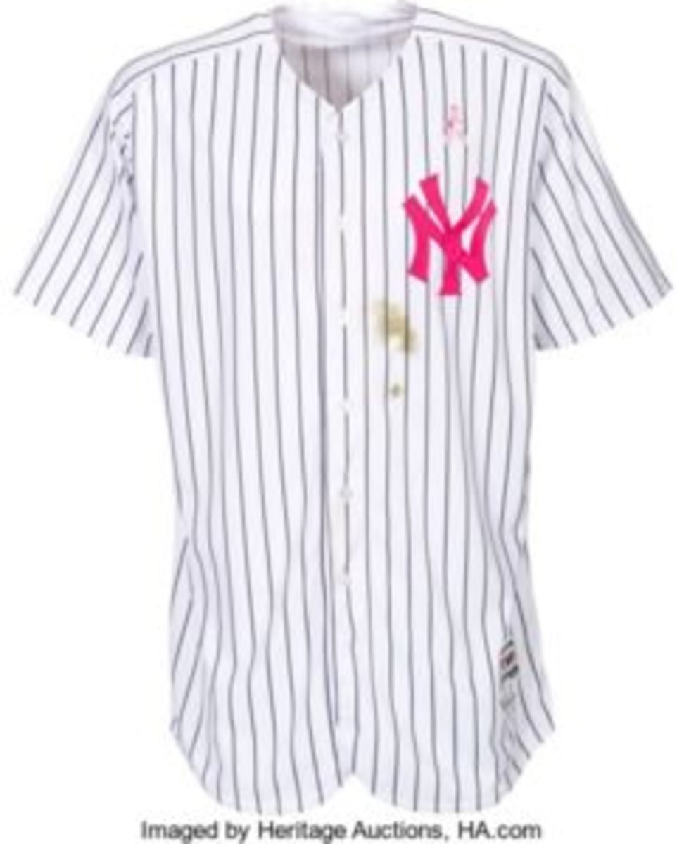 New York Yankees jersey, worn by Aaron Judge during the Mother's Day game in 2017.