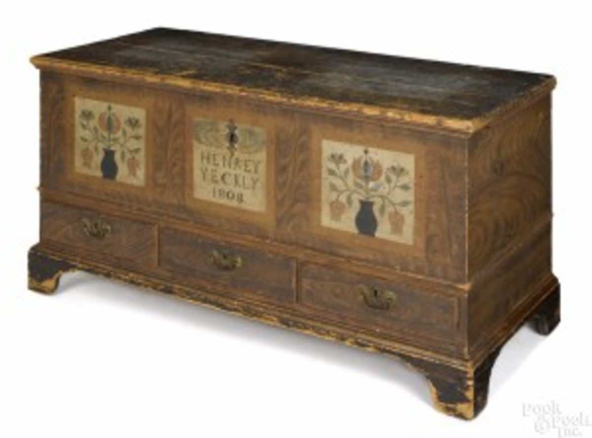 Painted pine dower chest