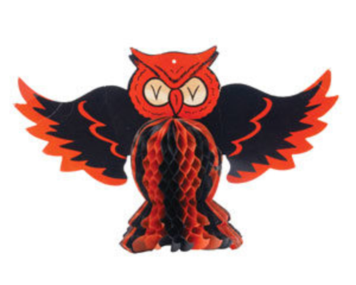 "Bux – The Hallowe'en Owl, United States, Beistle, HE Luhrs mark, 1940s, patent number 1593646, 9"" x 14"", $165."