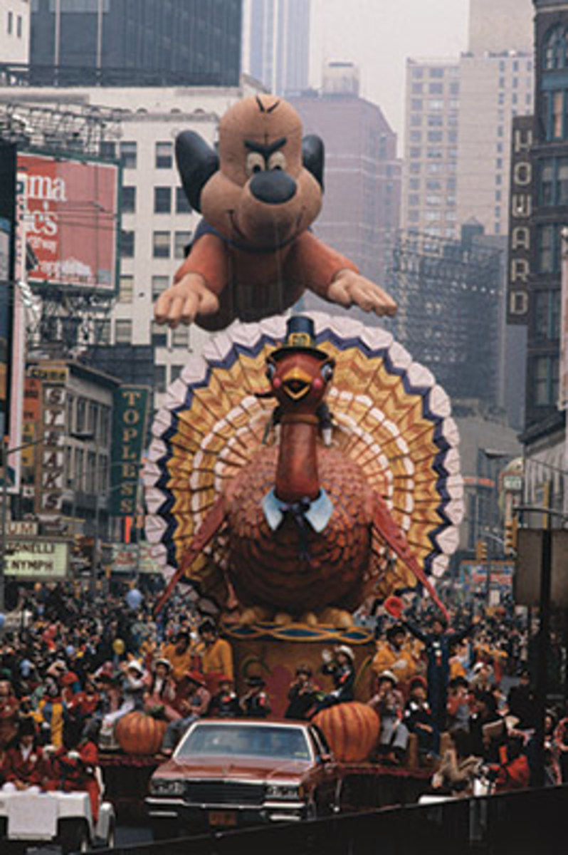 A 63-foot helium balloon of Underdog, a television cartoon favorite for millions of kids, follows a turkey float down Broadway in 1979. Photo: Bettmann/Contributor/Getty