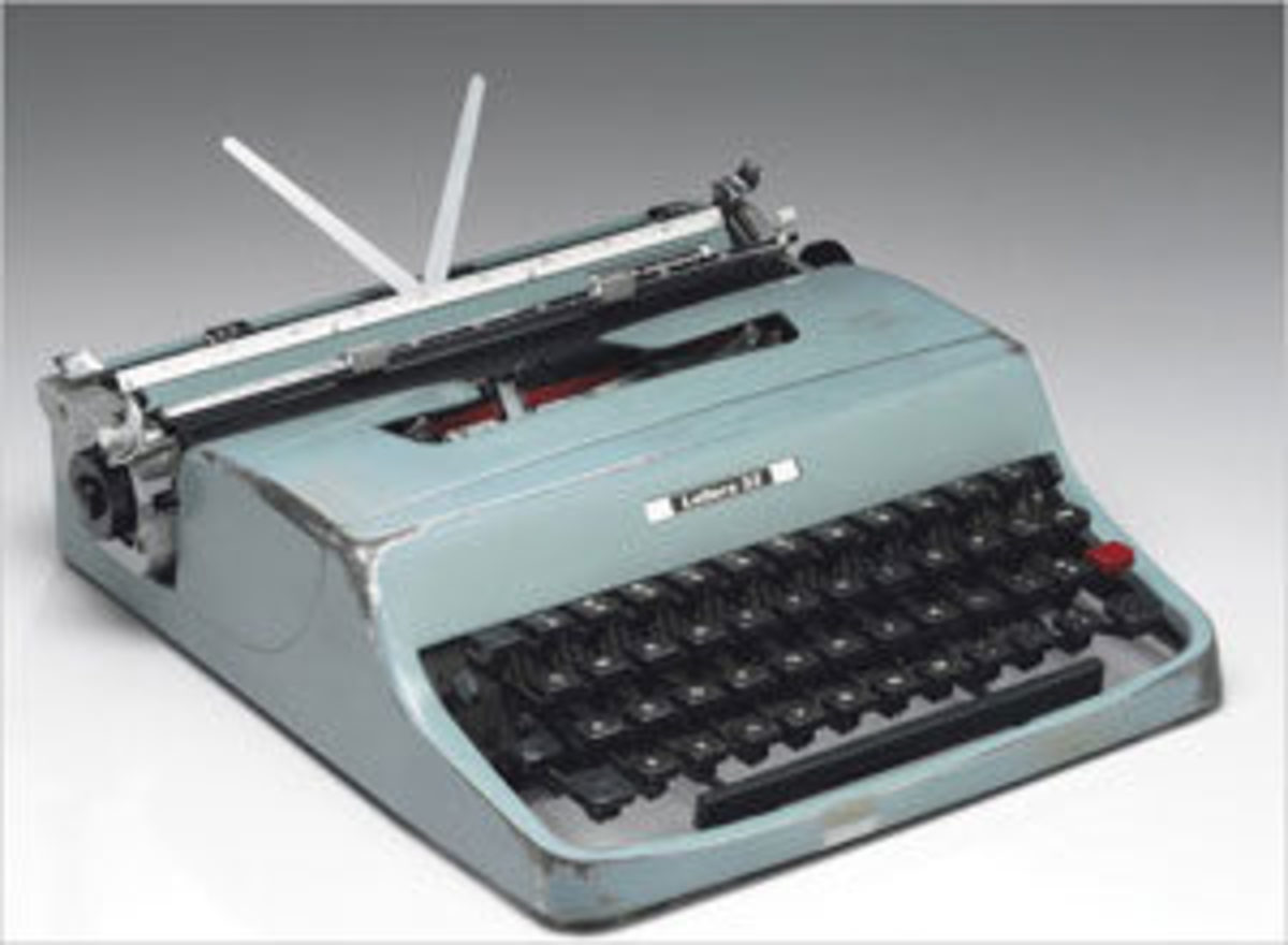 Cormack McCarthy bought a light blue Lettera 32 Olivetti manual typewriter in 1963 for $50.