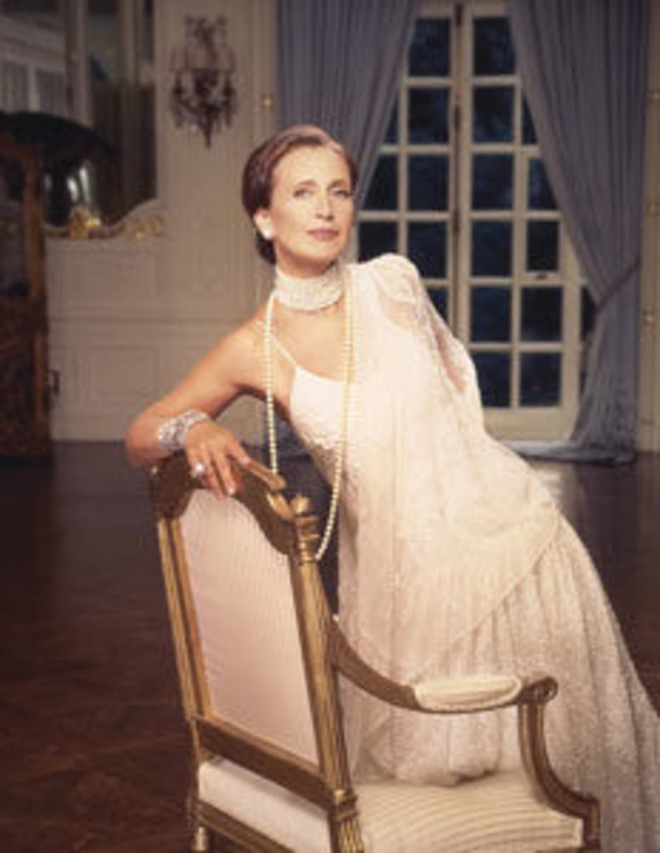Danielle Steel uses a 1946 Olympia manual typewriter, which she named Ollie. Image courtesy of Getty Images