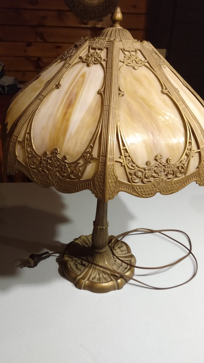 Caramel slag lamp