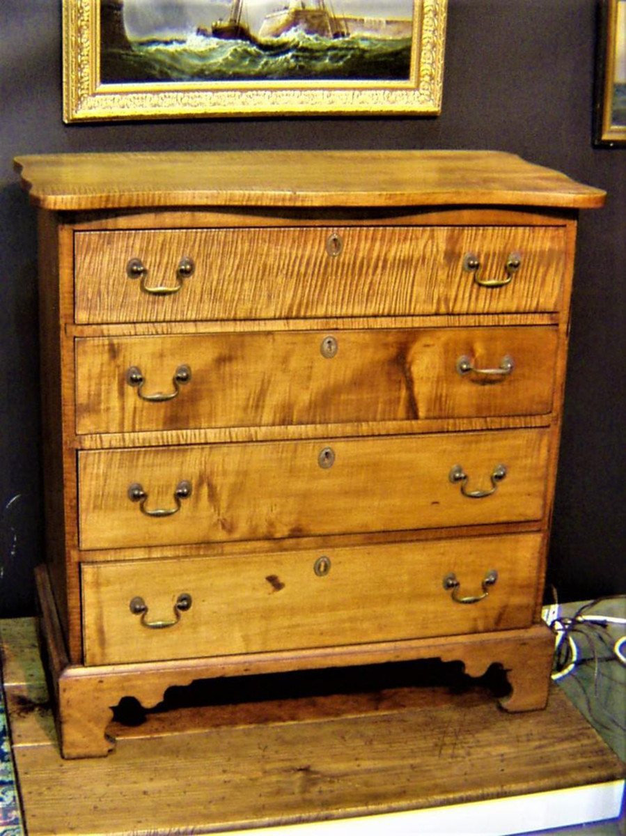 Also at the York show will be plenty of American furniture made from stunning wood in natural finishes, numerous signed oil paintings and many other antique wonders from 75 exhibitors.