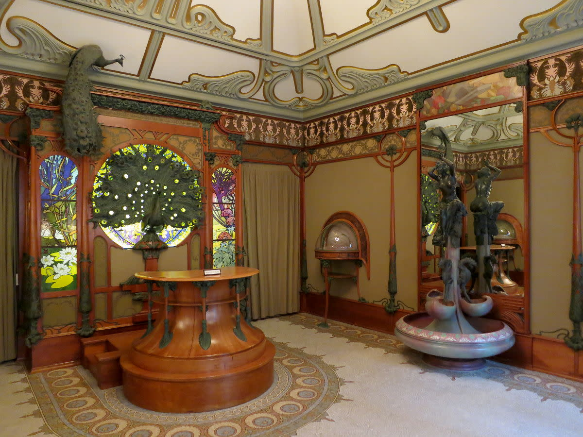 Georges Fouquet's jewelry shop designed by Mucha in 1901.