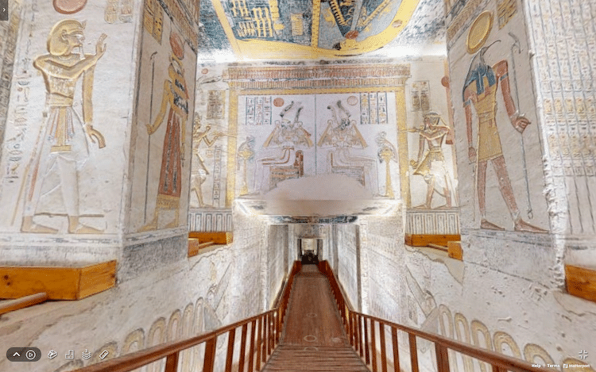 Part of the corridor of the tomb tour.