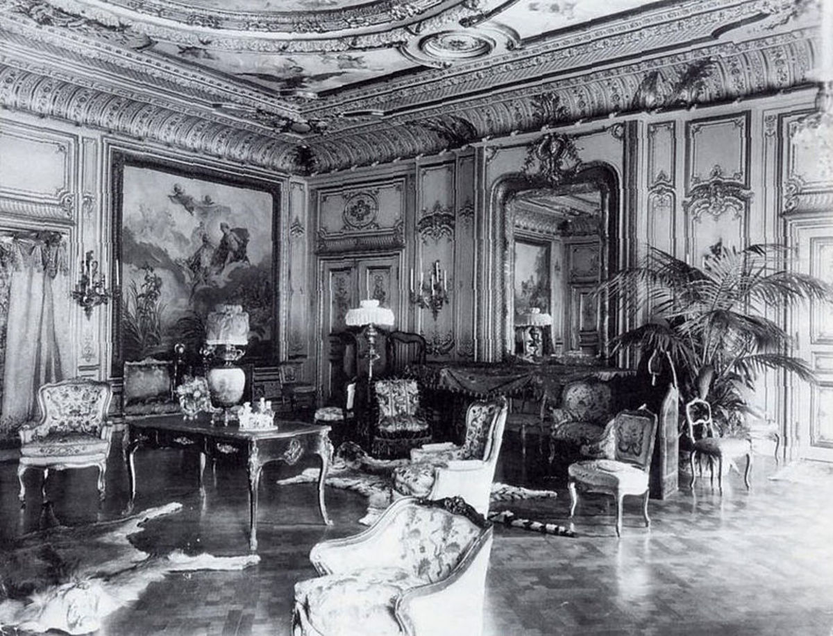 The salon of the Petit Chateau, 1902.