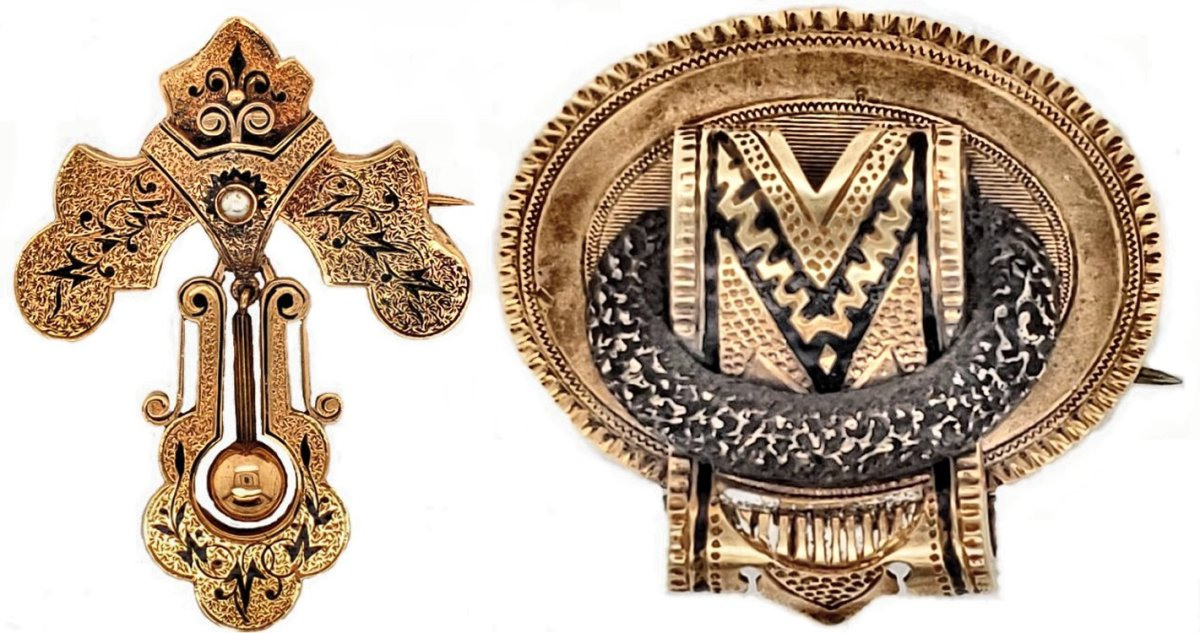 These taille d'epargne brooches are from the second quarter of the 19th century. Note the pin visible from the front of the pieces; a sure clue to early-19th century pieces.