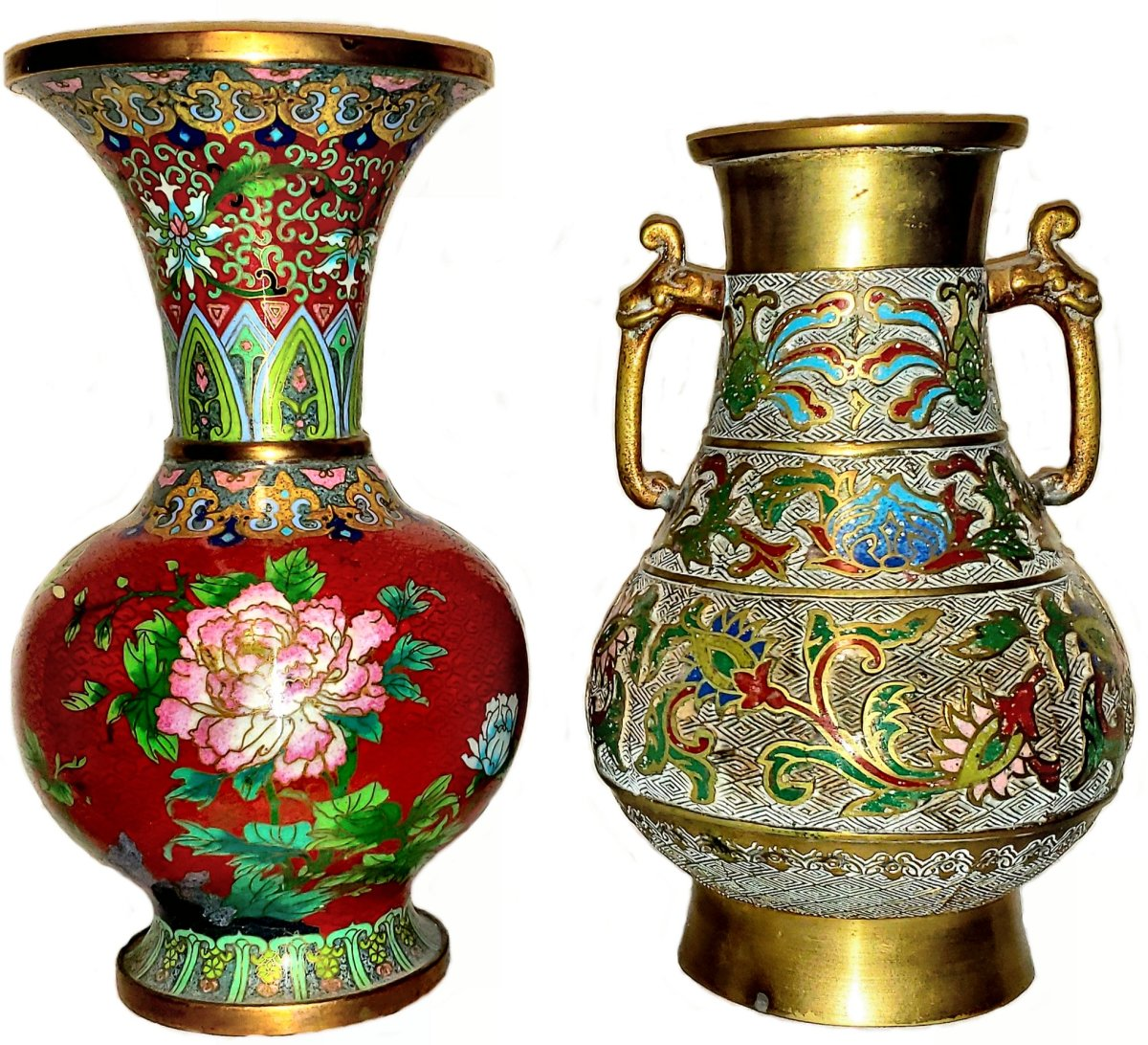 Champlevé and cloisonné objects of roughly the same size will differ considerably by weight, with the champlevé weighing more due to the thick metal base required for carving. The base metal in champlevé (shorter vase on the right) is apparent overall, while the base metal in cloisonné (taller vase on the left) is usually visible at the base, rim and interior; the small partitions in cloisonné are clearly visible on close examination. This image compares a ten-inch cloisonné vase with a nine-inch champlevé vase. Although the champlevé vase is shorter by an inch, it weighs a pound more due to the thickness of the base metal.