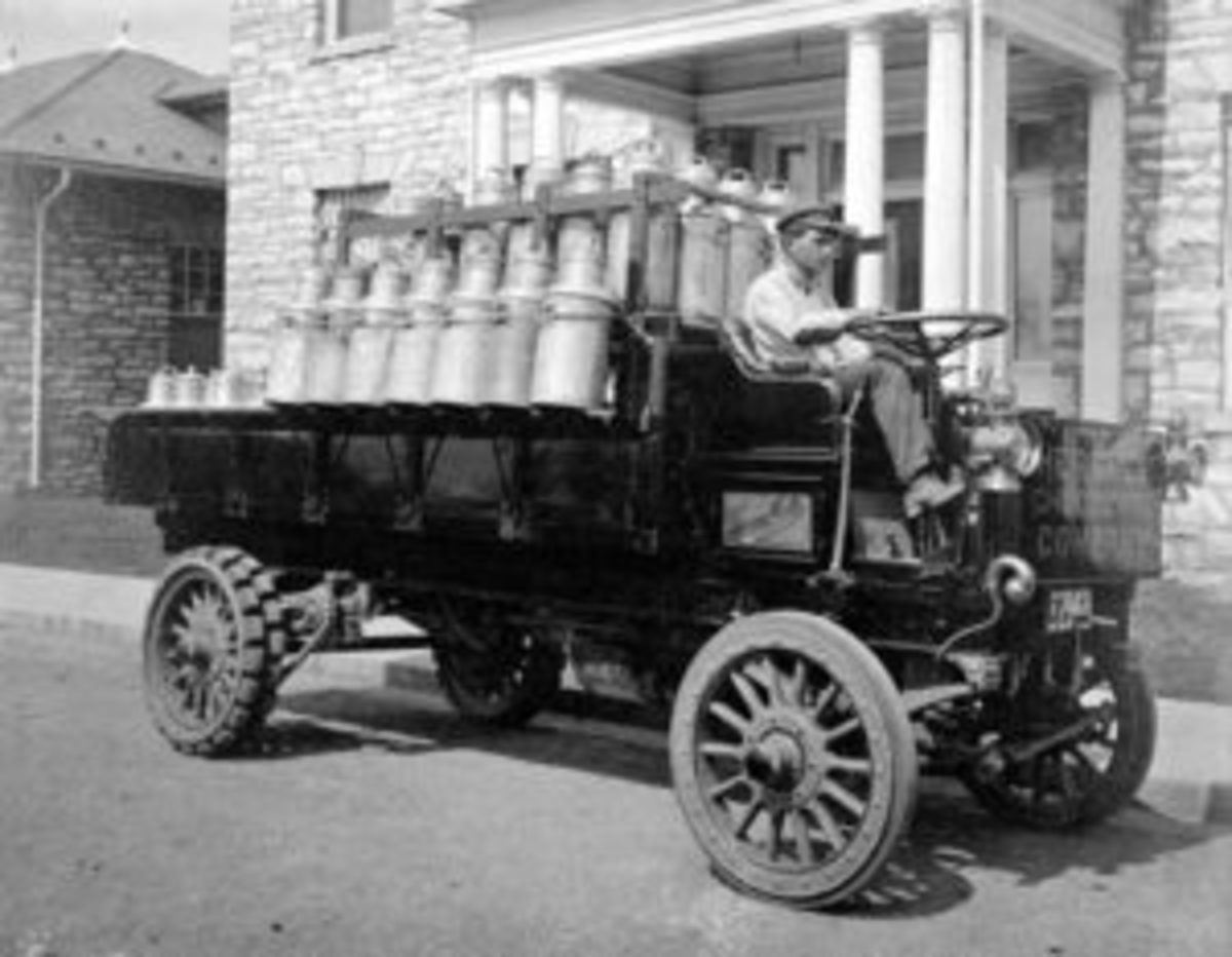 A Hershey Chocolate Co. lorry transporting milk, circa 1918.