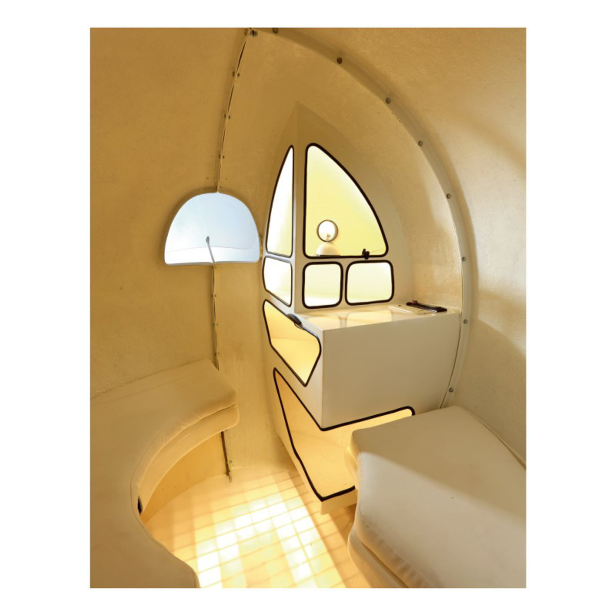 The interior of the Sphere. Ideal for one or two people, it can comfortably accommodate up to three.