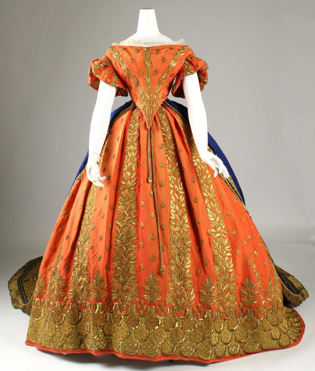 Italian Court ensemble, 1857–60, silk and gold.