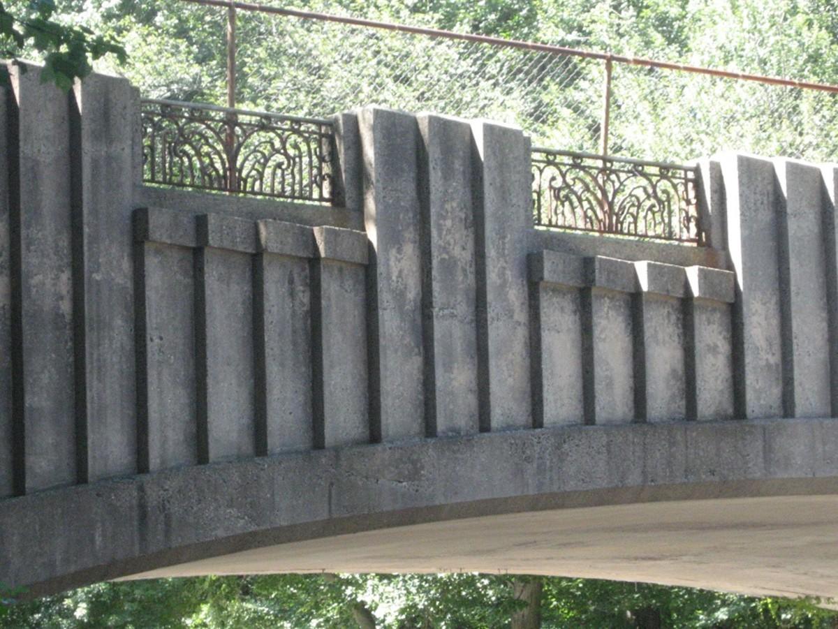 Close-up details of the North Avenue Bridge.