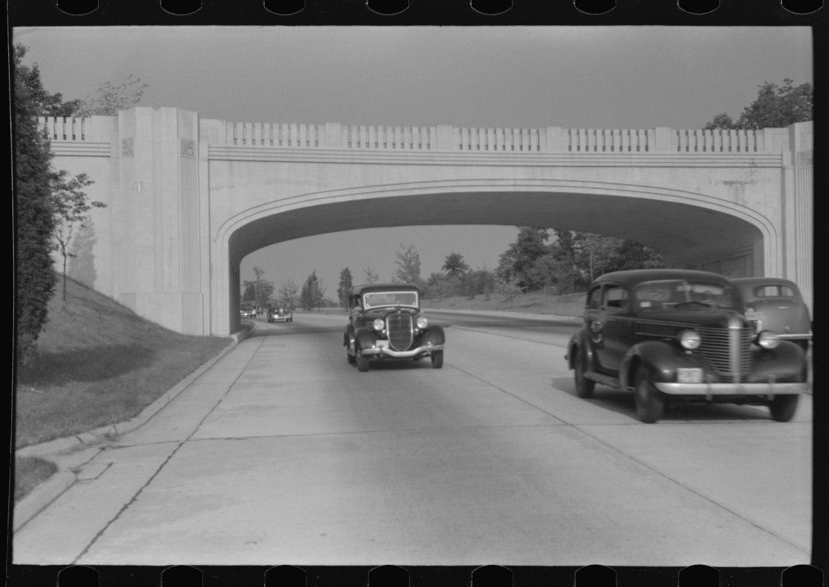 Merritt Parkway, New York to Connecticut, 1941.