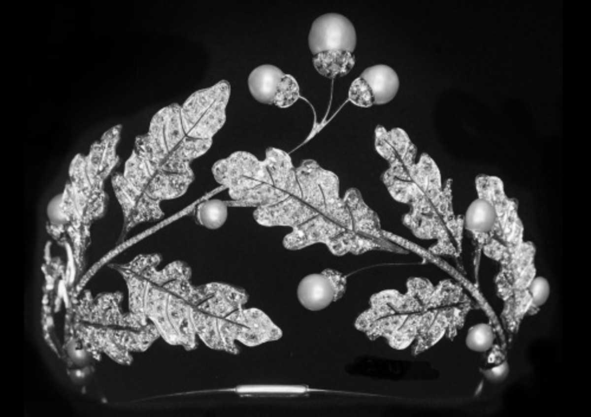 Nature interpreted by Joseph Chaumet is an ode to the eternal cycle of the oak tree in this tiara, circa 1903.