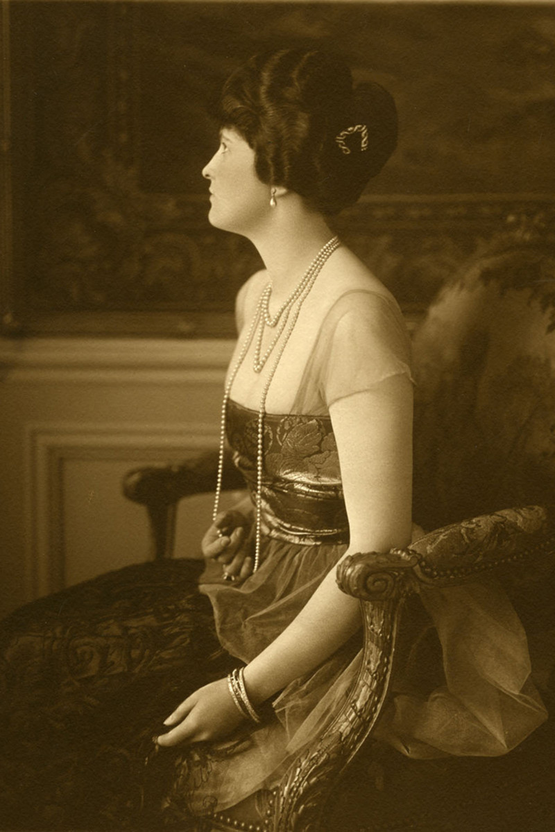 Post in 1921 when she was married to E.F. Hutton.