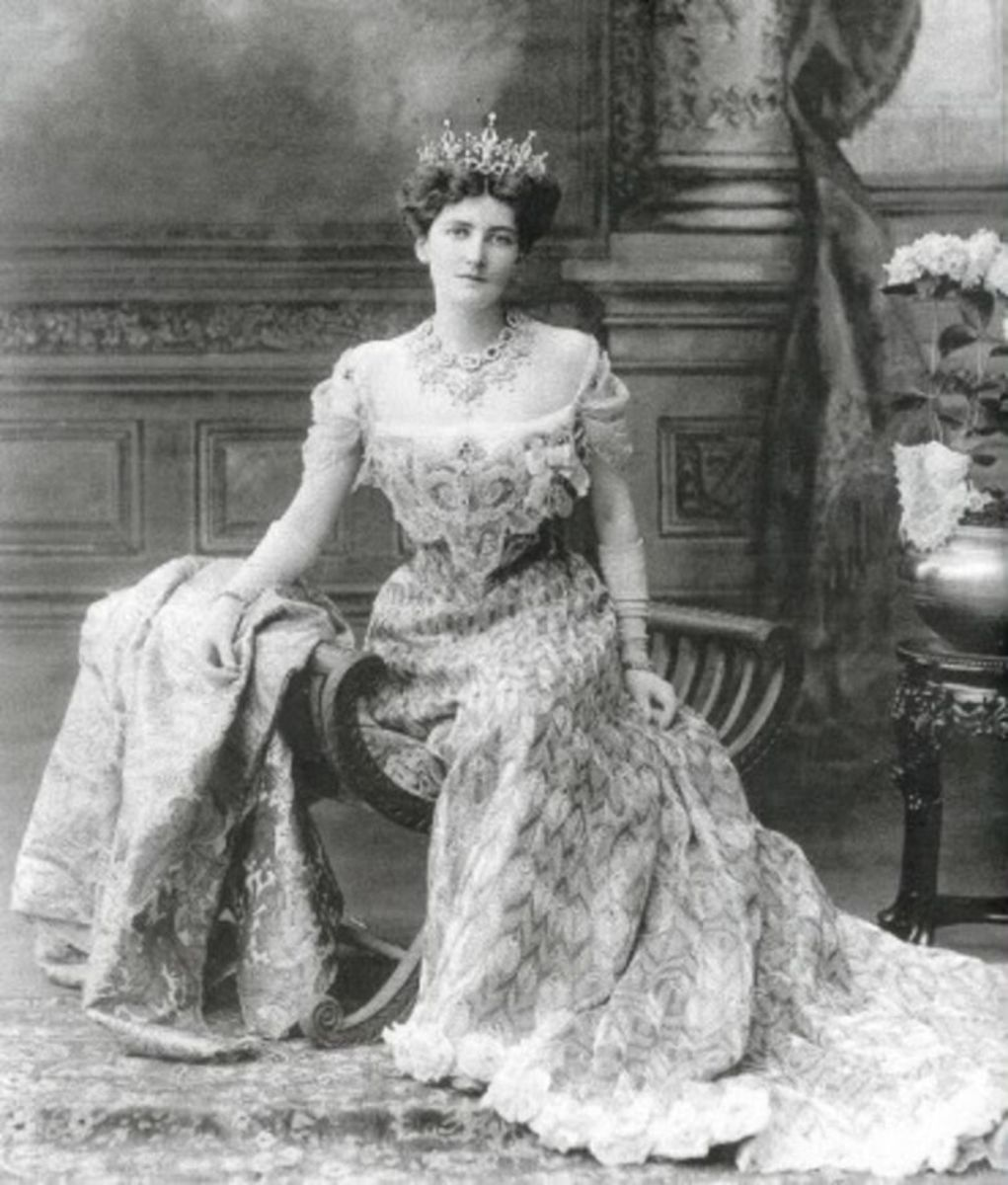 Lady Curzon wearing the peacock dress created for her in 1903 for the Indian Durbar.