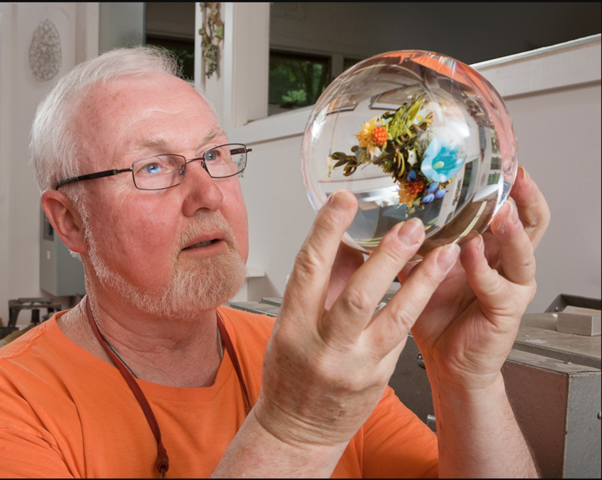 Studio artist Paul Stankard is commonly referred to as the father of modern glass paperweights.