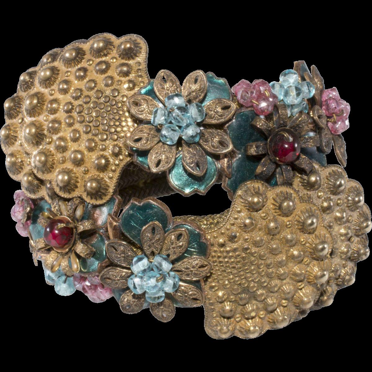 Unmarked costume jewelry bracelet identified as Miriam Haskell.
