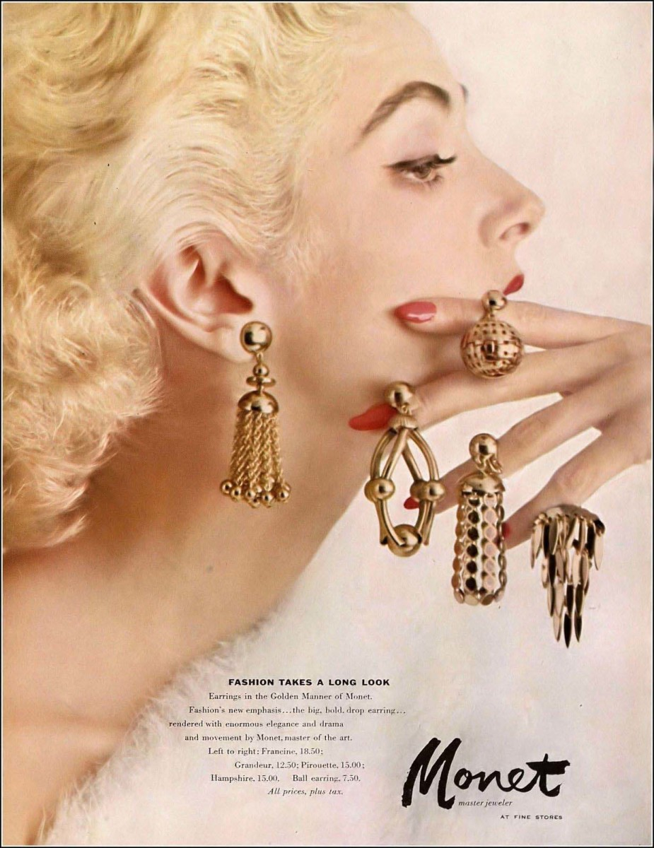 Monet Jewelers advertisement in October 1954 issue of Harper's Bazaar.
