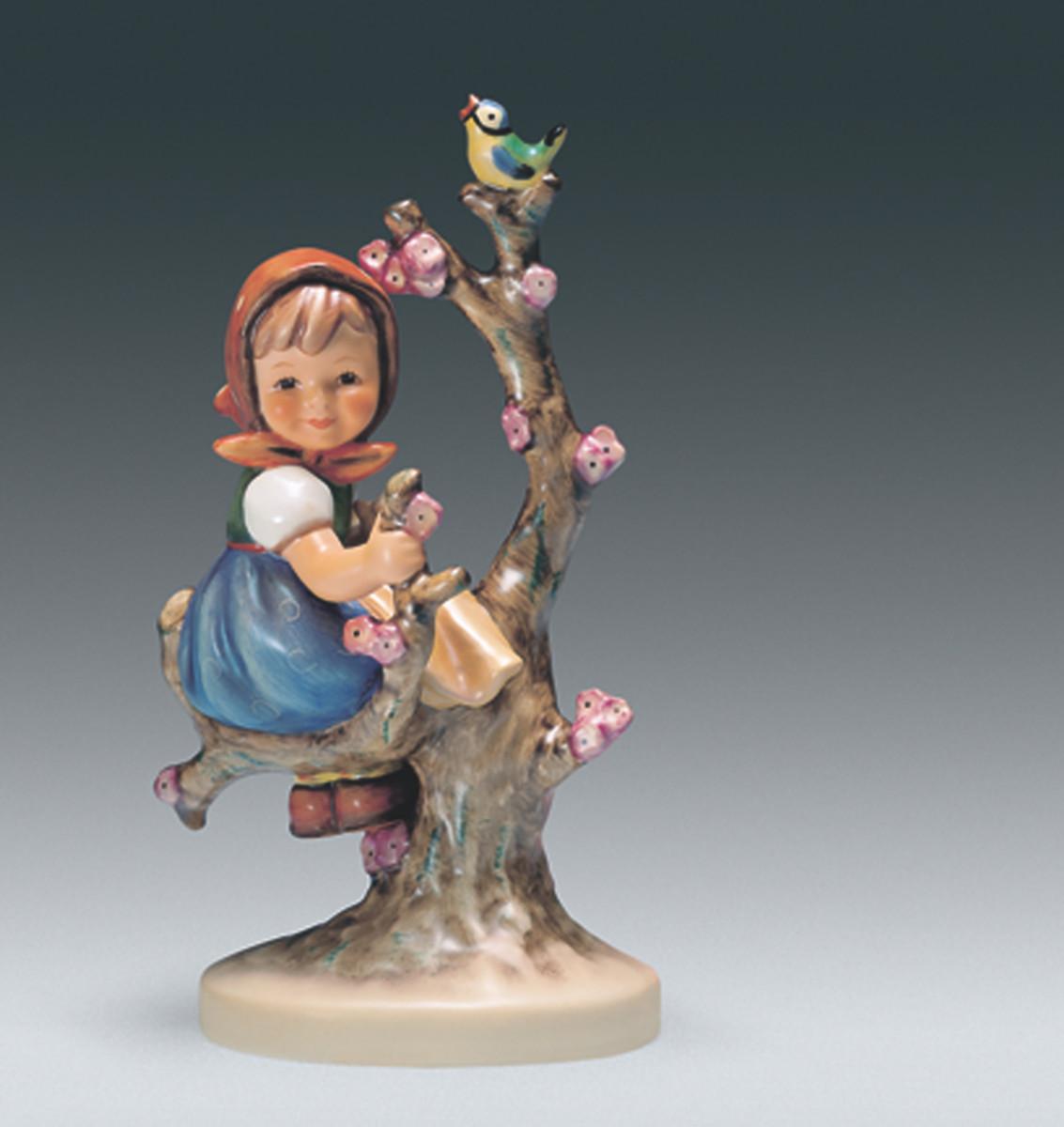 Apple Tree Girl figurine, Hum 141
