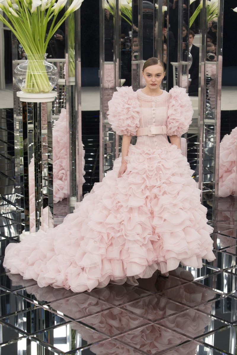 Chanel channeled the Letty Lynton dress in its spring 2017 couture collection.