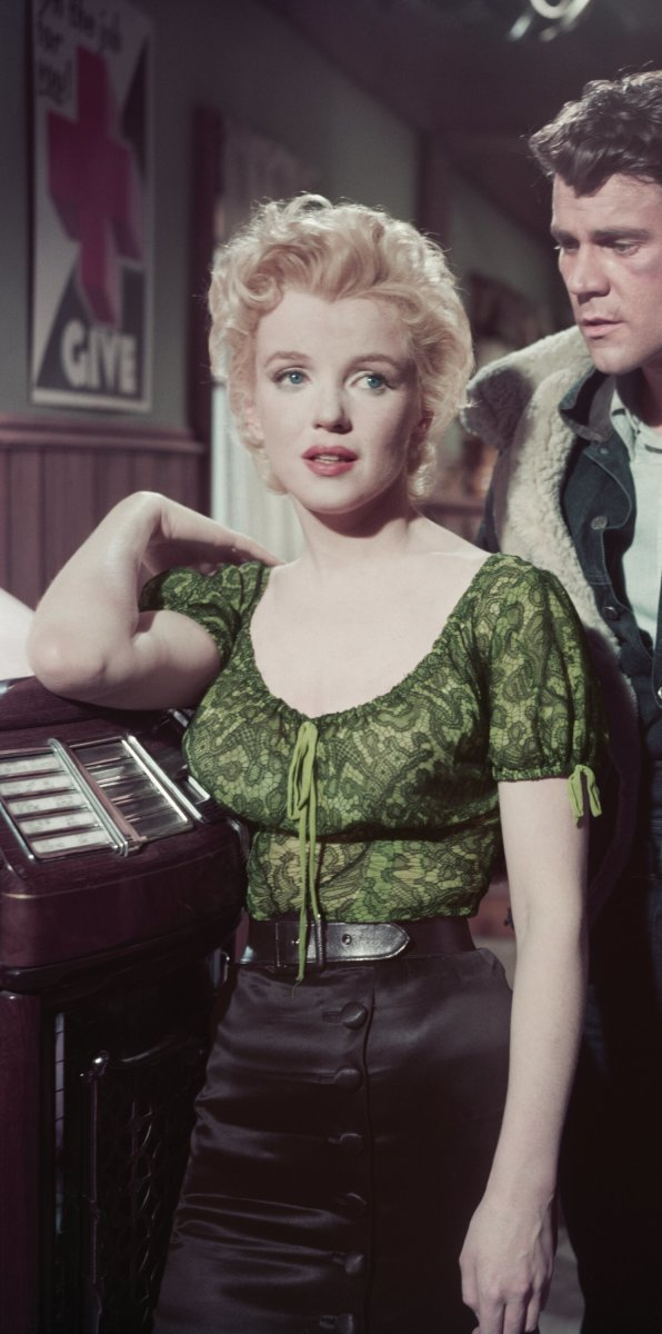 A still shot of Monroe wearing the ensemble in the movie.