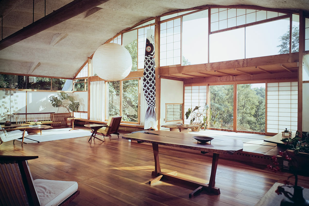 With the help of engineers Paul Wedlinger and Mario Salvadori, Nakashima built his most soaring and successful Conoid roof, a clamshell-inspired one with sinusoidal curves to cap the titular Conoid Studio, which is used as a design studio, a conference room to meet clients, and a more elegant place to store his prized pieces of wood.